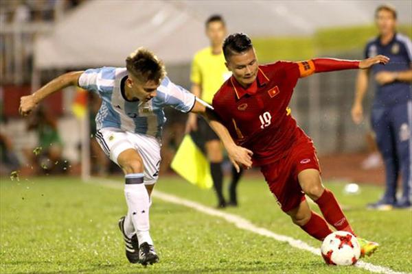 CLB Argentina hỏi mua Quang Hải