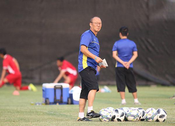 HLV Park Hang Seo cùng đội tuyển Việt Nam