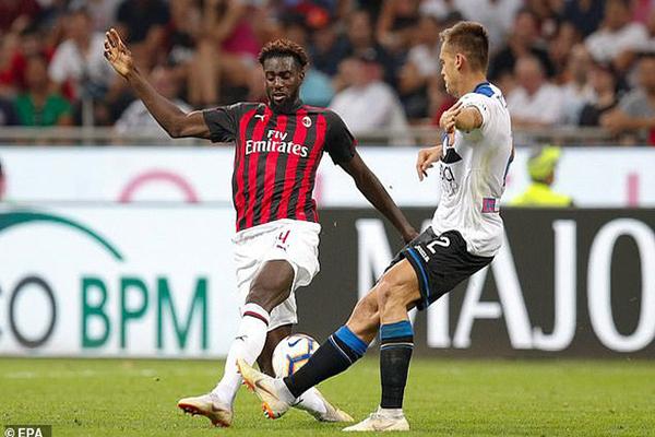 tin chuyển nhượng 16/10: AC Milan