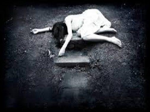 Mơ thấy người thân chết là điềm báo gì, cặp số nào may mắn?