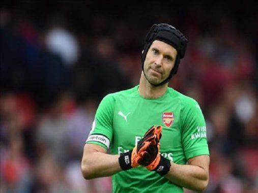 Chelsea muốn ký hợp đồng với Petr Cech