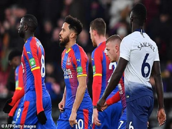Crystal Palace 2-0 Tottenham: Spurs bị loại khỏi FA Cup
