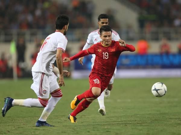 Việt Nam vượt Thái Lan để dẫn đầu bảng G