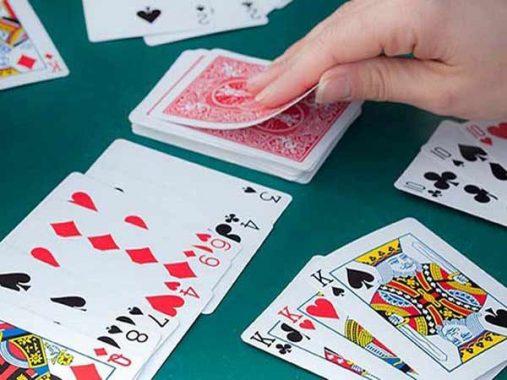 Game chơi bài phỏm- căng thẳng, kích tính đến phút cuối