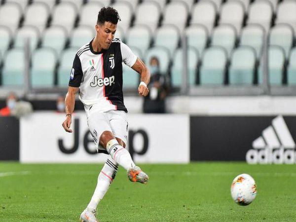 Tin bóng đá tối 18/8: HLV Pirlo gọi điện trấn an tiền đạo C.Ronaldo