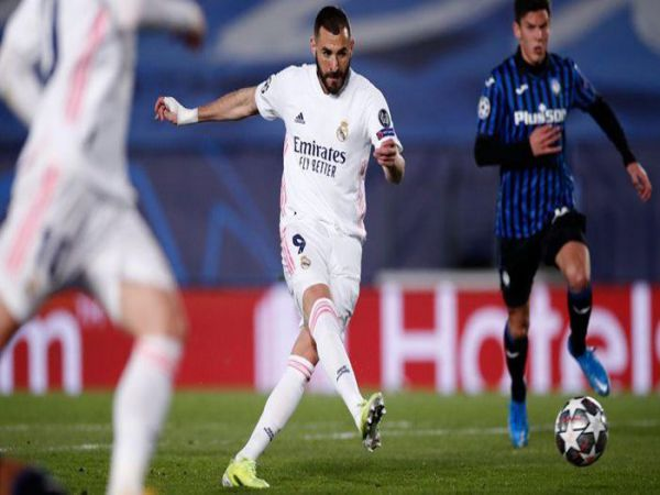 Tin bóng đá sáng 17/3: Benzema đưa Real Madrid vào Tứ kết C1