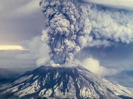 Mơ thấy núi lửa là điềm gì? Đánh con số mấy vào bờ an toàn?